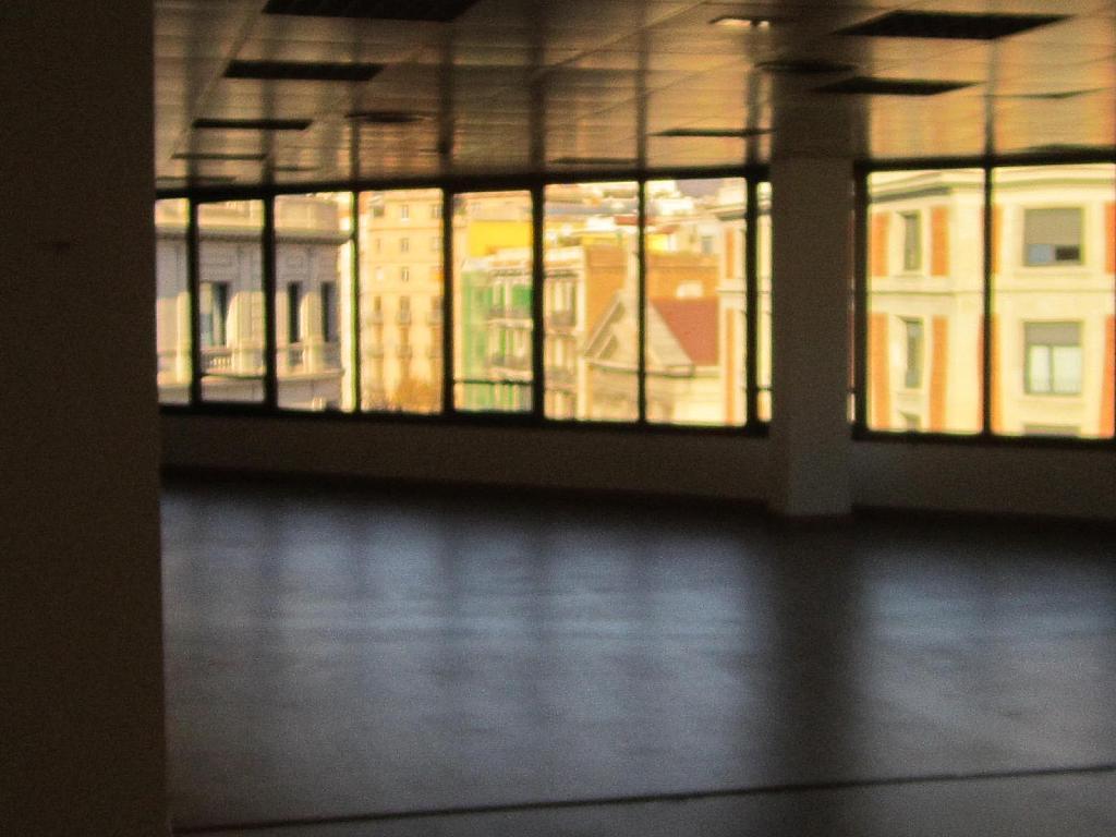 Oficina en alquiler en Eixample esquerra en Barcelona - 358375911