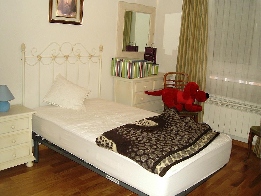 Dormitorio - Apartamento en alquiler en calle Agustin Rodriguez Sahagún, Ávila - 157850428