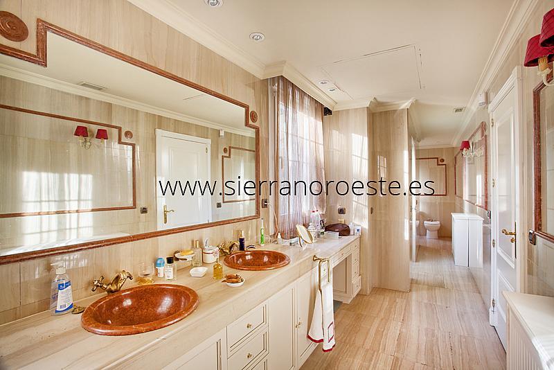 Piso en alquiler en Fuentelarreina en Madrid - 219329403