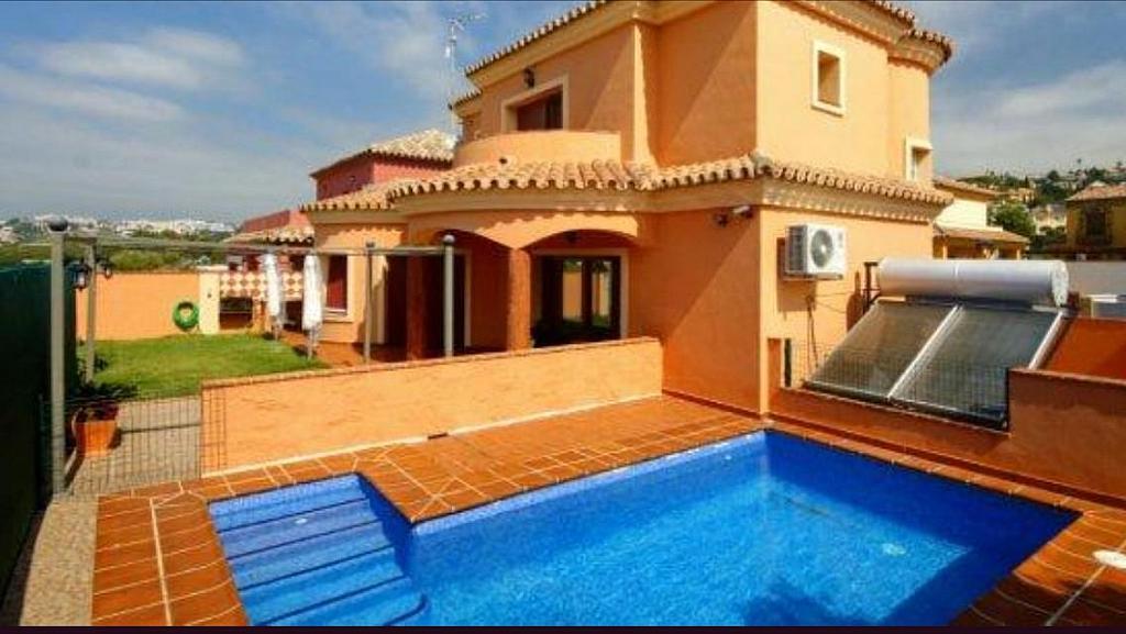 Piscina - Villa en alquiler en calle Lagunas, Mijas Costa - 272644373