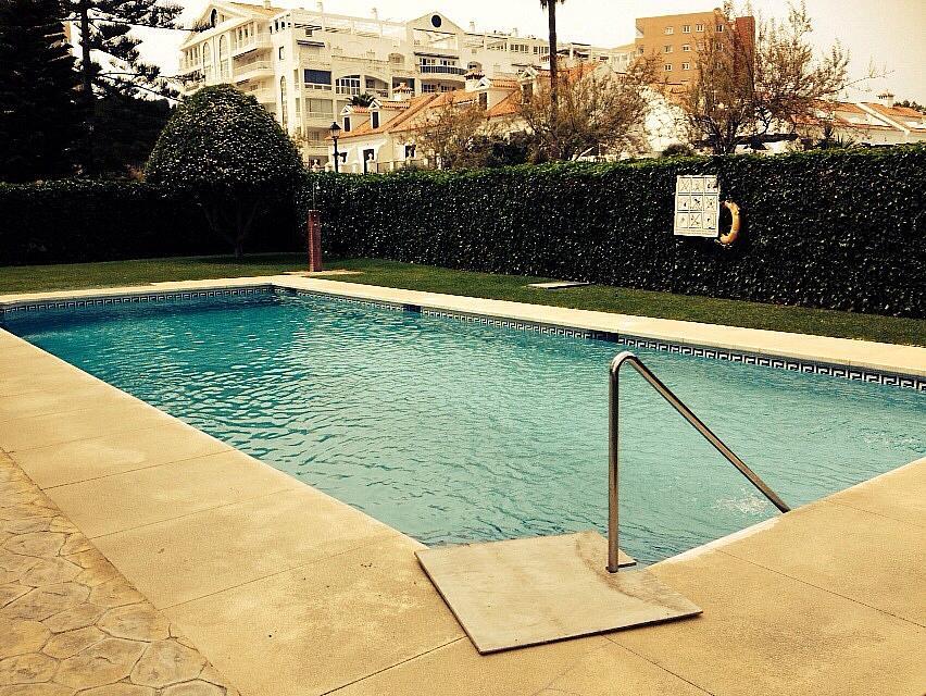 Apartamento en alquiler de temporada en calle Alberto Morgesteing, Castillo Sohail en Fuengirola - 189777775