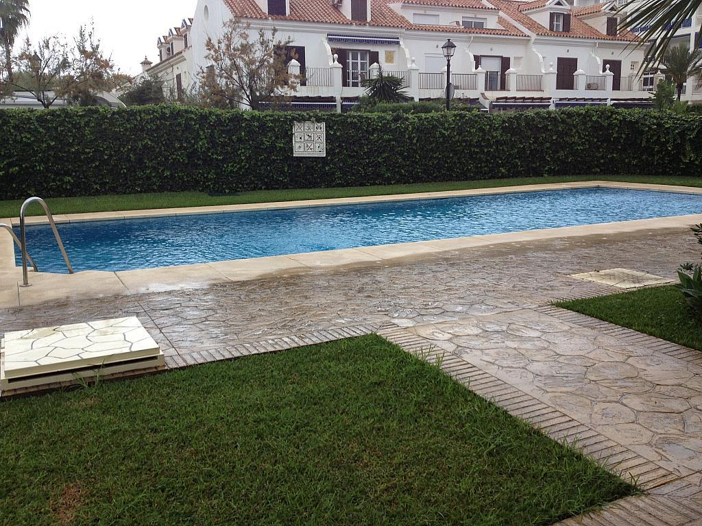 Apartamento en alquiler de temporada en calle Alberto Morgesteing, Castillo Sohail en Fuengirola - 189778006