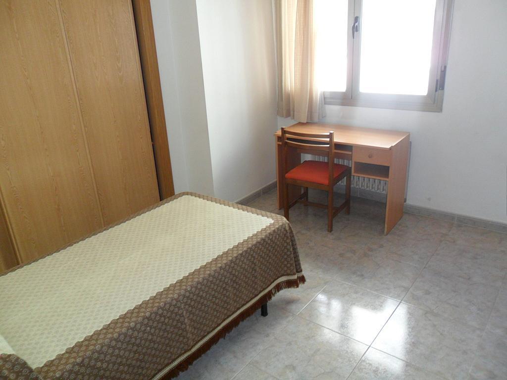 Dormitorio - Piso en alquiler en calle Dalmacio Garcia Izcara, Cuenca - 288180690