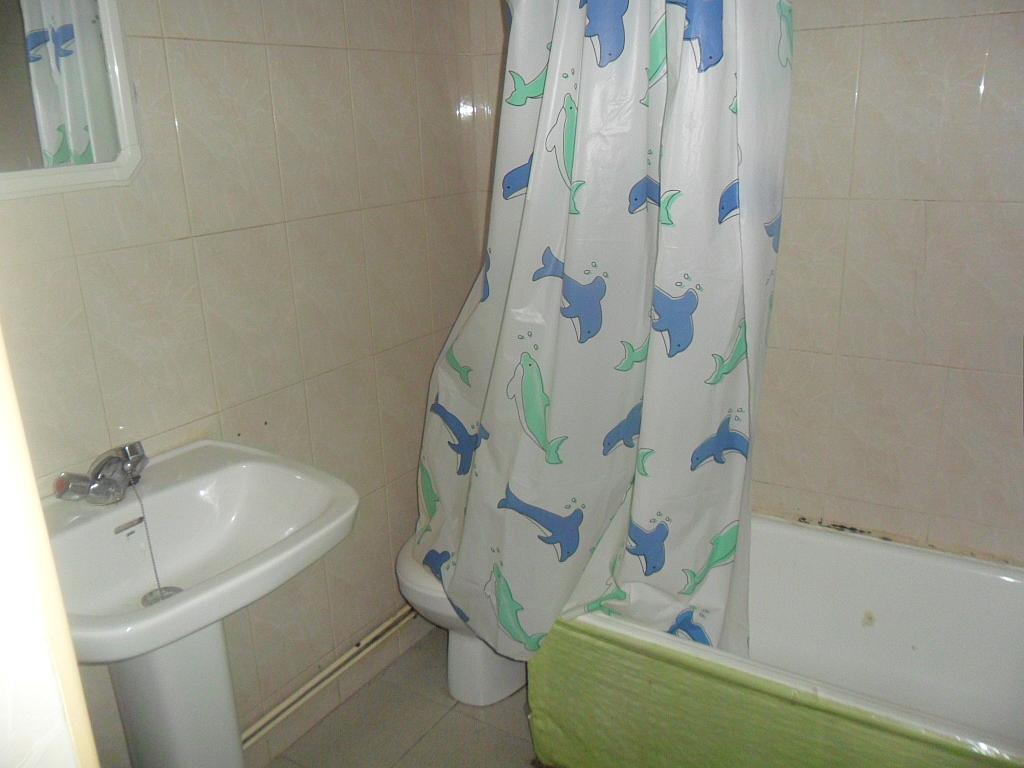 Baño - Piso en alquiler en calle Colon, Cuenca - 297570223