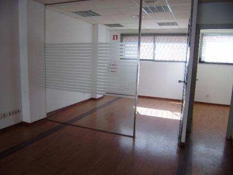Local en alquiler en paseo Conde Vilardaga, Mas Lluí en Sant Feliu de Llobregat - 37722080