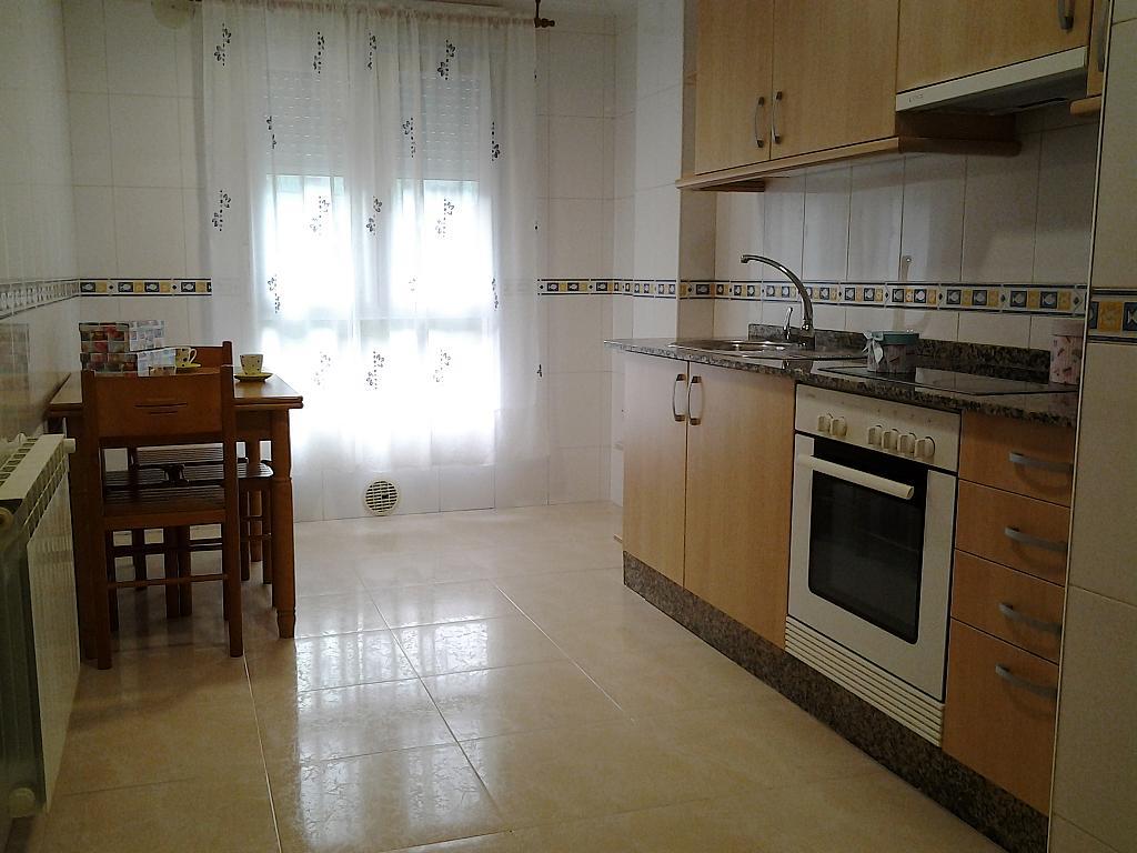 Cocina - Piso en alquiler en calle Concepción Arenal, Burela - 268714705