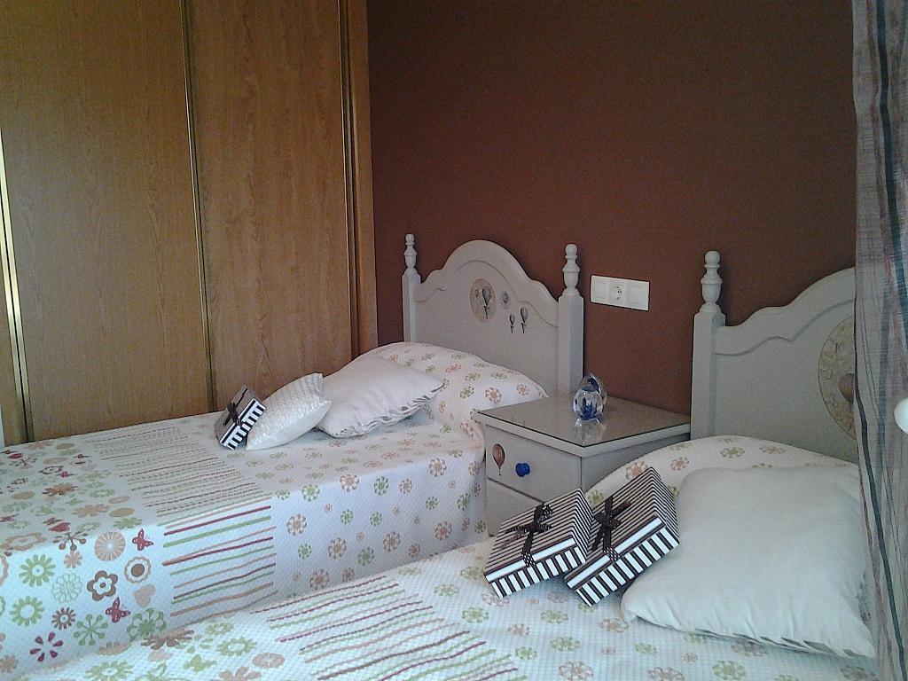 Dormitorio - Piso en alquiler de temporada en calle Concepcion Arenal, Burela - 309267963