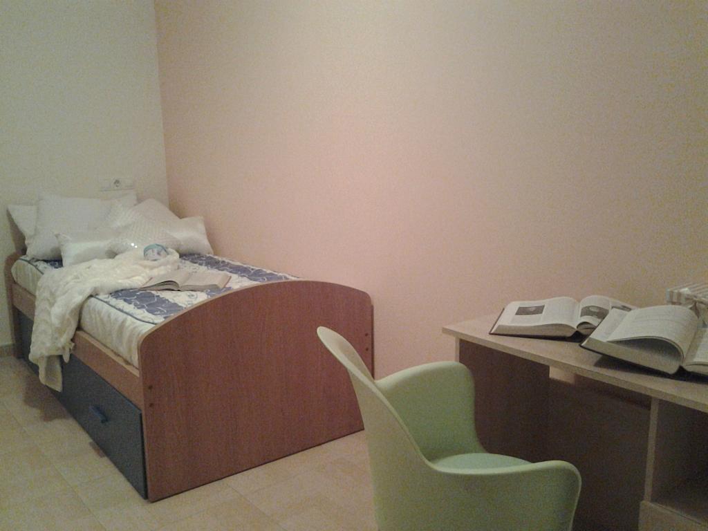 Dormitorio - Piso en alquiler de temporada en calle Concepcion Arenal, Burela - 309267976