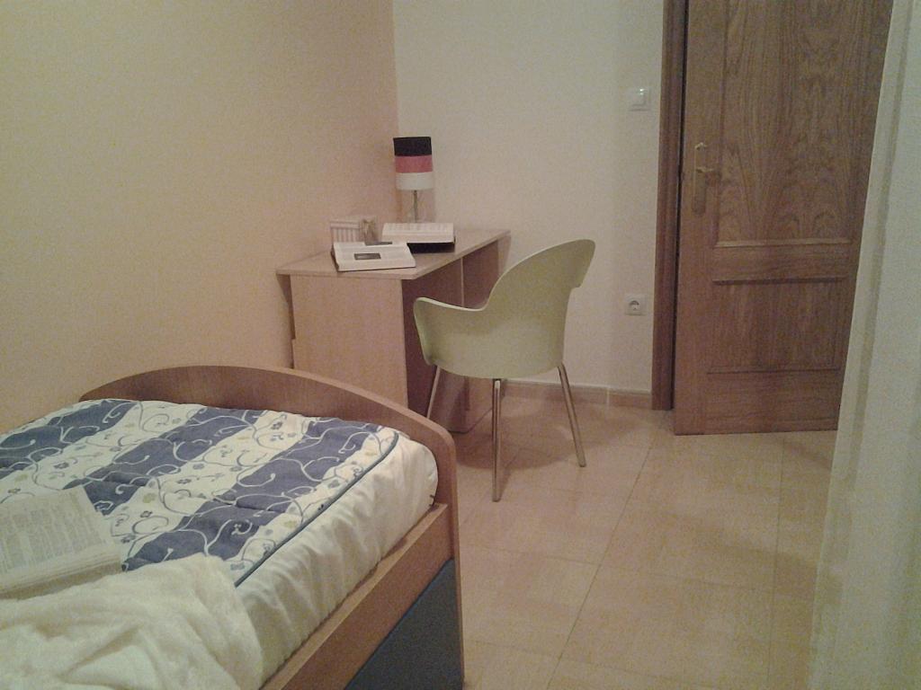 Dormitorio - Piso en alquiler de temporada en calle Concepcion Arenal, Burela - 309267997