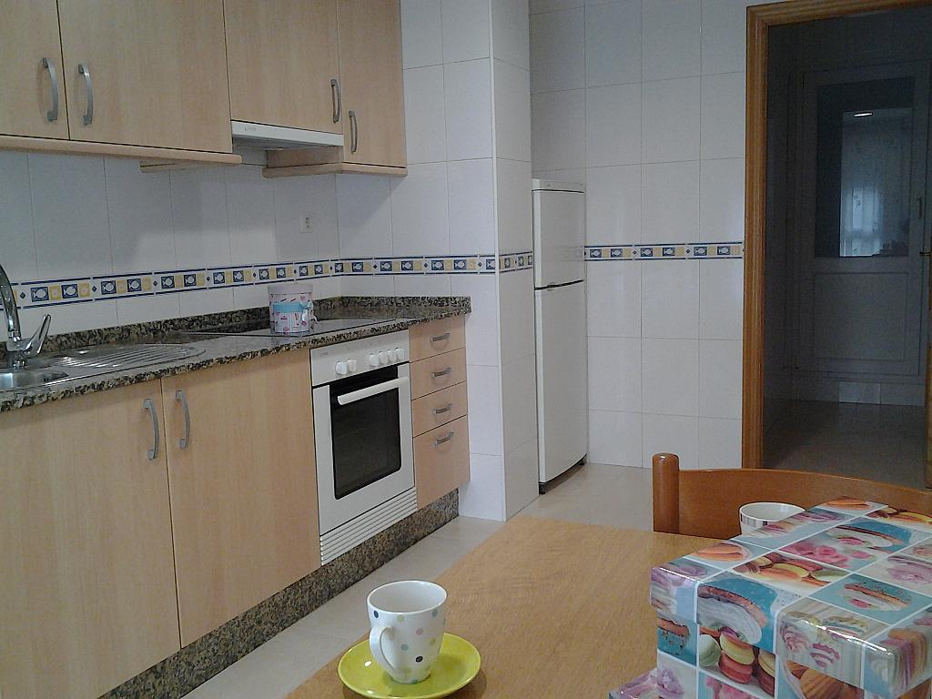 Cocina - Piso en alquiler de temporada en calle Concepcion Arenal, Burela - 309268339