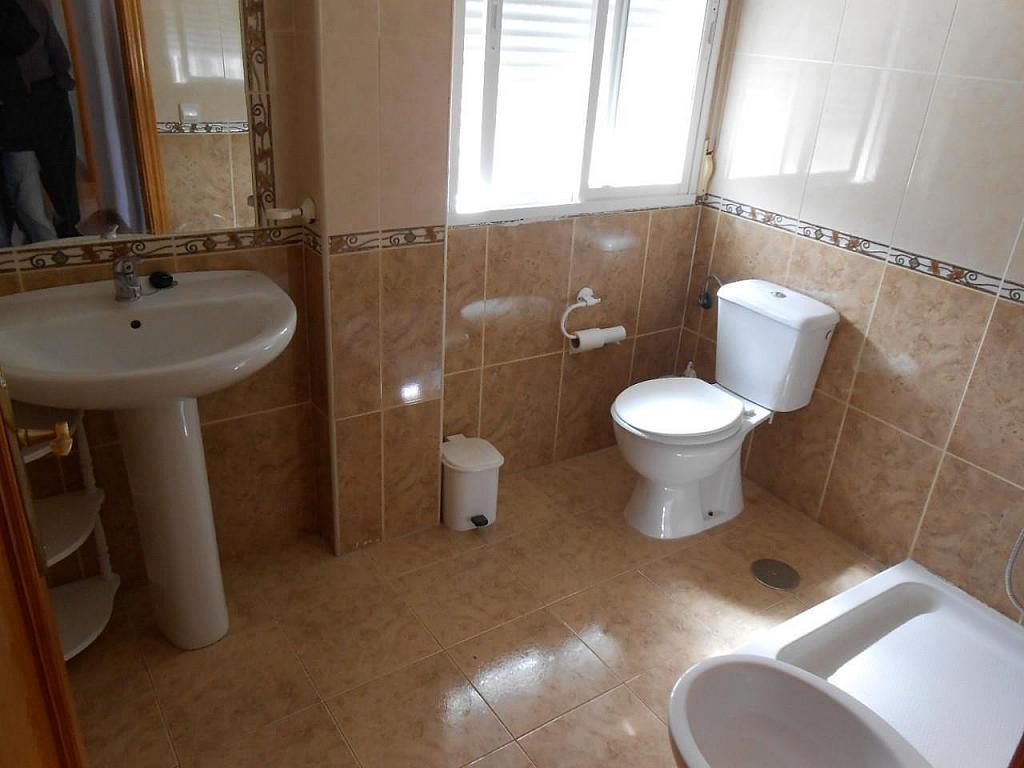 Chalet en alquiler en Jaén - 329218039