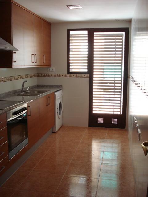 Piso en alquiler en calle Periodista Azzati, Puerto de Sagunto - 41392850