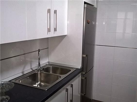 Piso en alquiler en calle Azucena, Ciudad Real - 394731078