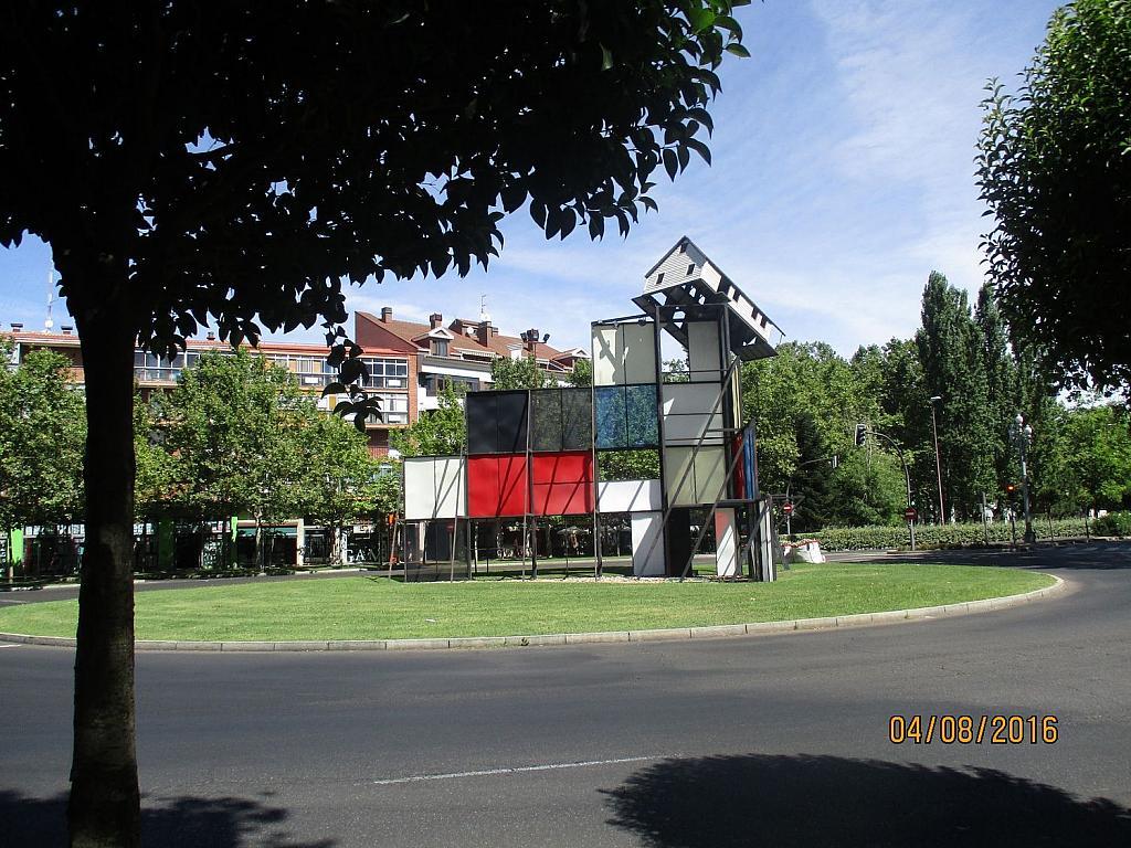 Garaje en alquiler en paseo De Zorrilla, Arturo Eyries-La Rubia en Valladolid - 362267303
