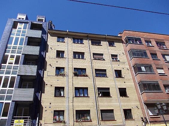 Piso en alquiler en calle Bermudez de Castro, Milán-Pumarin-Pontón de Vaqueros en Oviedo - 318161721