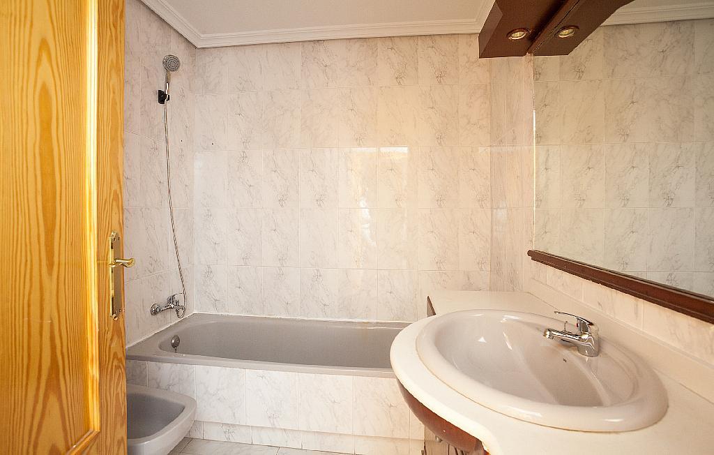 Baño - Piso en alquiler en plaza De Las Flores, Huerto de los Frailes en Alcantarilla - 293076258