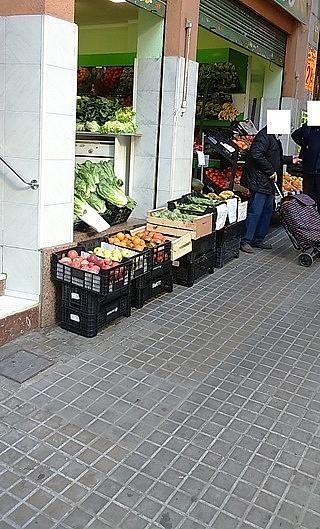 Fachada - Local comercial en alquiler en calle Bosc, Pubilla cases en Hospitalet de Llobregat, L´ - 240102475