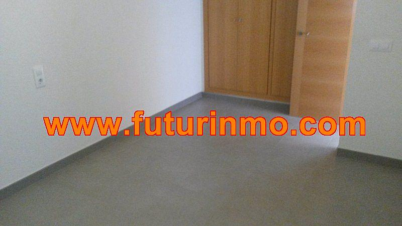 Casa adosada en alquiler en calle Zona Omet, Picassent - 288704473