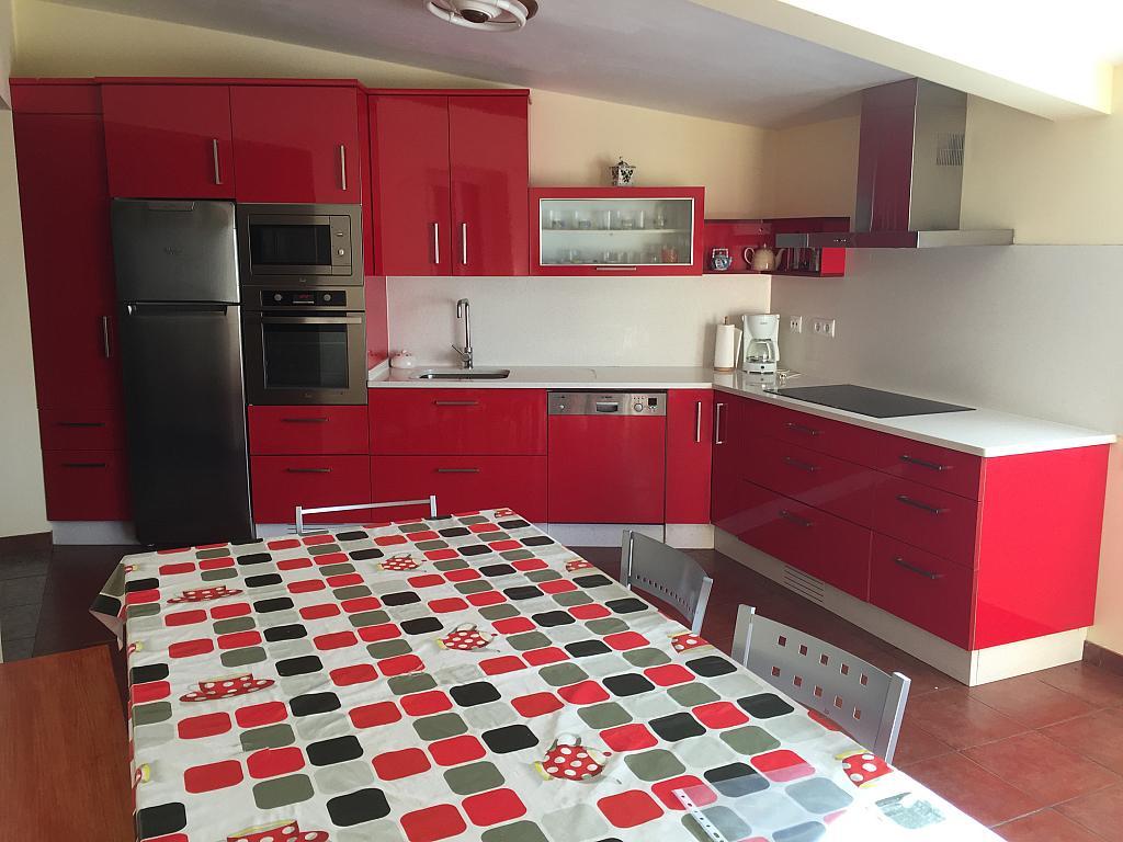 Apartamento en alquiler en calle Santa Leocadia, Arteixo - 340769405