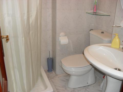 Baño - Piso en alquiler en calle Rio Xallas, Arteixo - 41555645