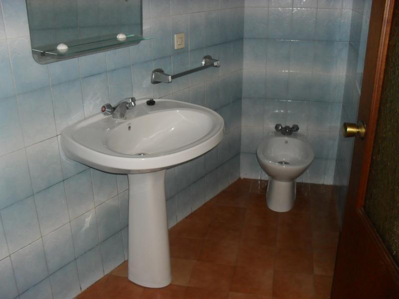 Baño - Piso en alquiler en calle María Pita, Arteixo - 49112865