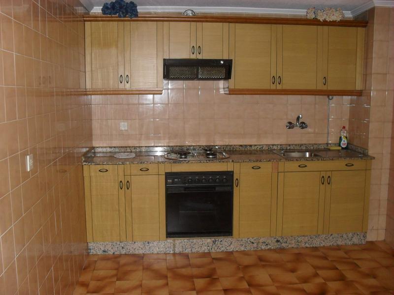 Cocina - Piso en alquiler en calle María Pita, Arteixo - 49112953