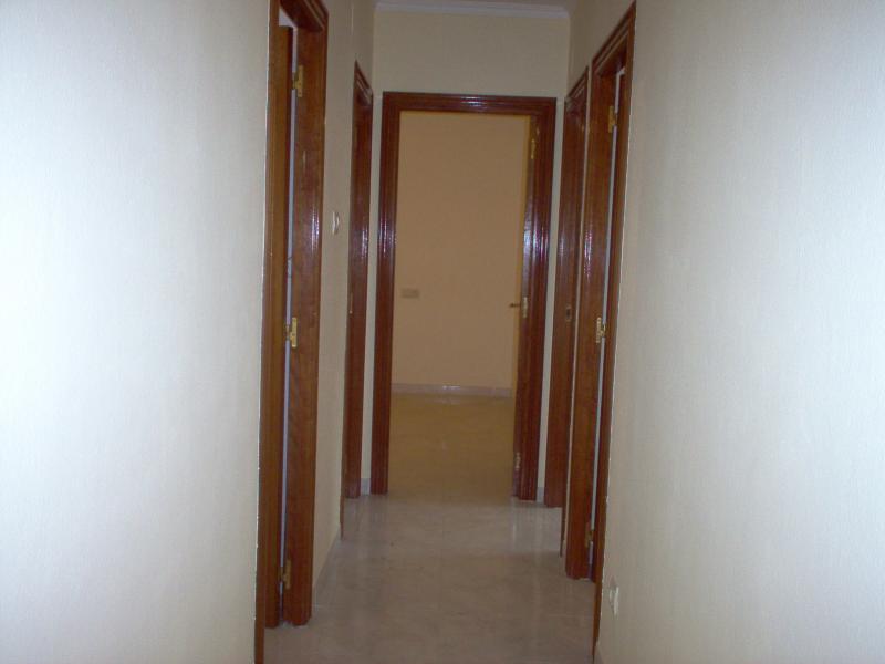 Pasillo - Piso en alquiler en calle Finisterre, Arteixo - 56818387