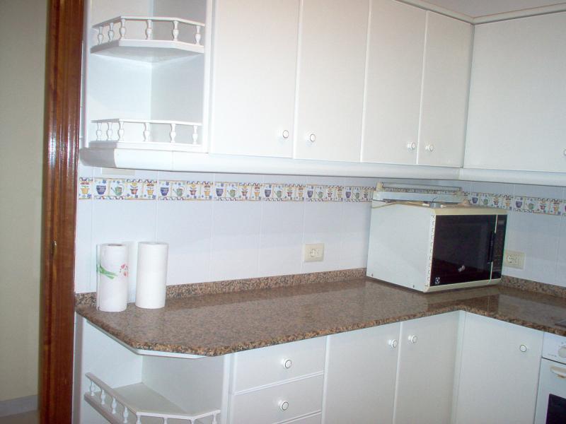 Cocina - Piso en alquiler en calle Finisterre, Arteixo - 56818391