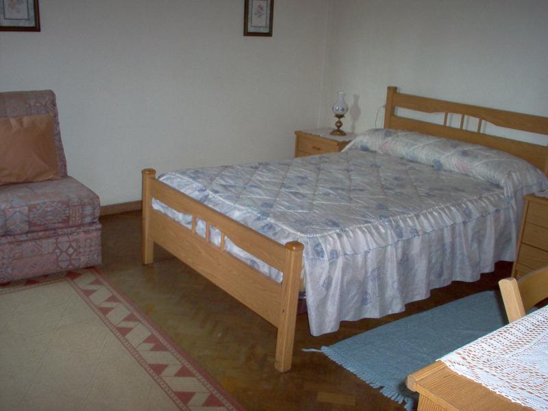 Dormitorio - Piso en alquiler en calle Uxio Novoneira, Arteixo - 56918904