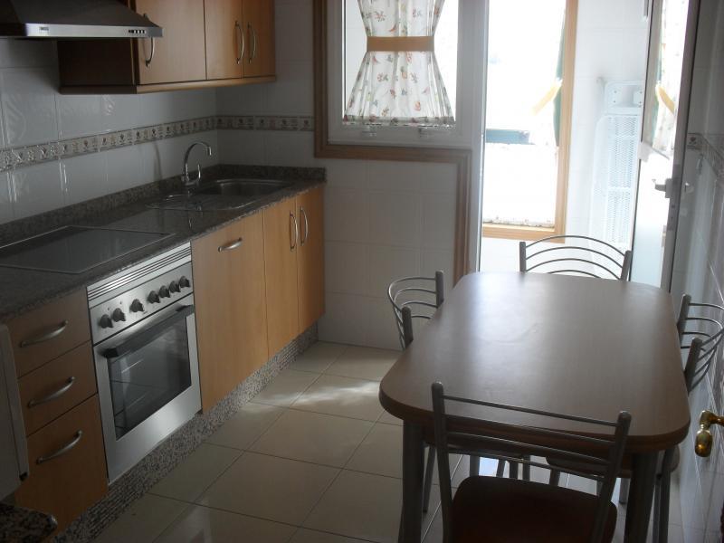 Cocina - Piso en alquiler en calle Rua Da Capela, Arteixo - 57087087