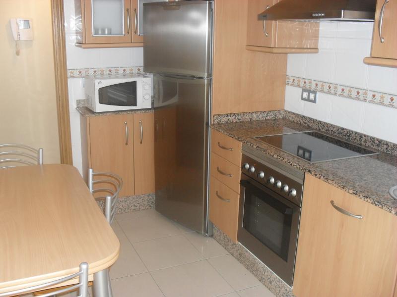 Cocina - Piso en alquiler en calle Rua Da Capela, Arteixo - 57087098
