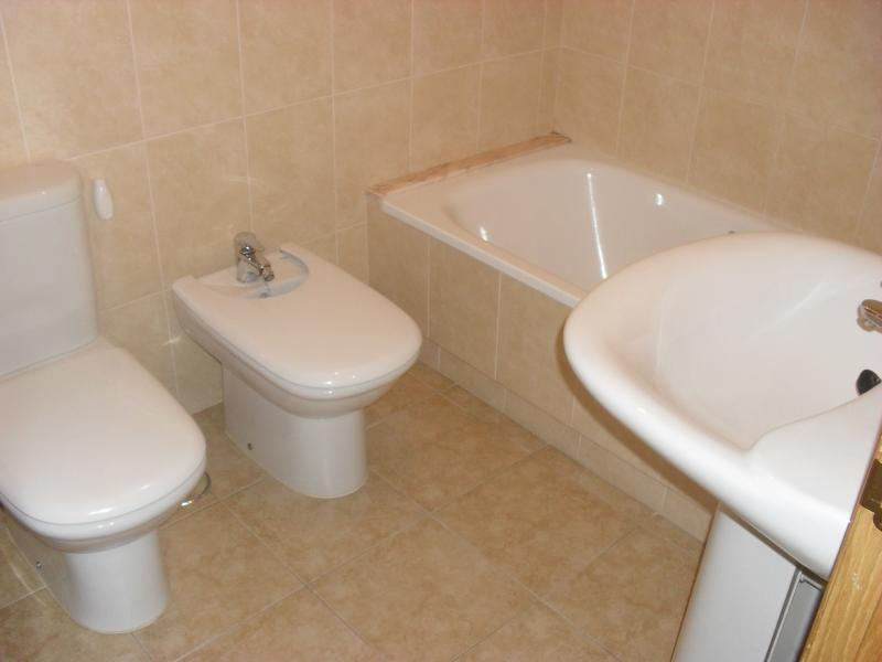 Baño - Piso en alquiler en calle Rua Da Capela, Arteixo - 57087176