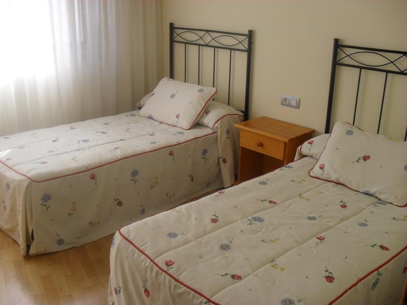 Dormitorio - Piso en alquiler en calle Rua Da Capela, Arteixo - 57087180