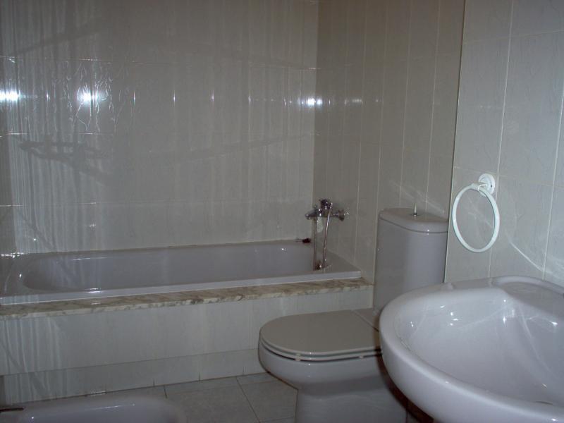Baño - Piso en alquiler en calle Travesía de Oseiro, Arteixo - 59268358