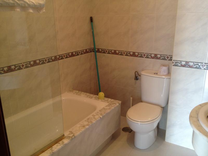 Baño - Piso en alquiler en calle Mon Vasco, Arteixo - 71867788