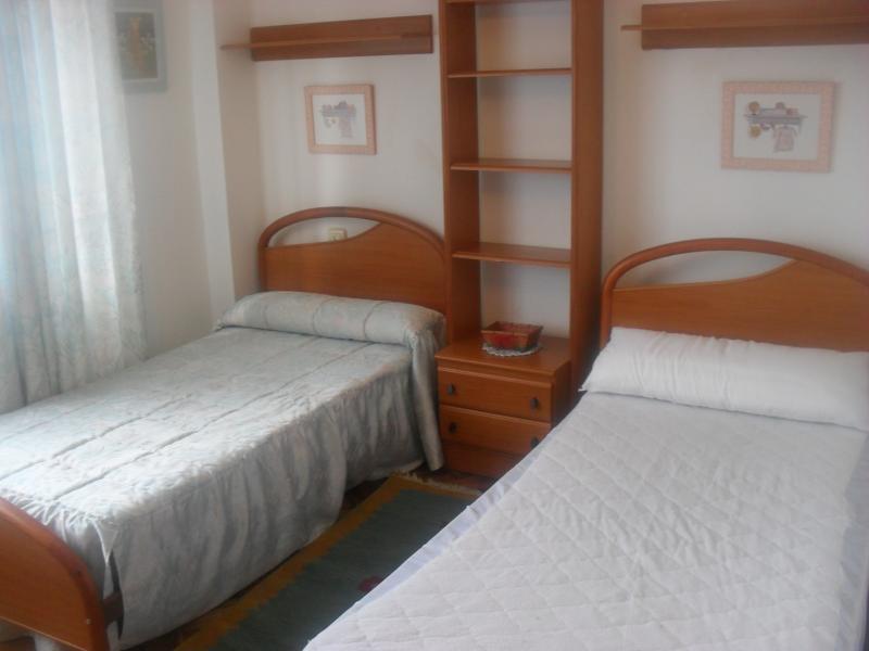 Dormitorio - Piso en alquiler en calle Oviedo, Arteixo - 104861803