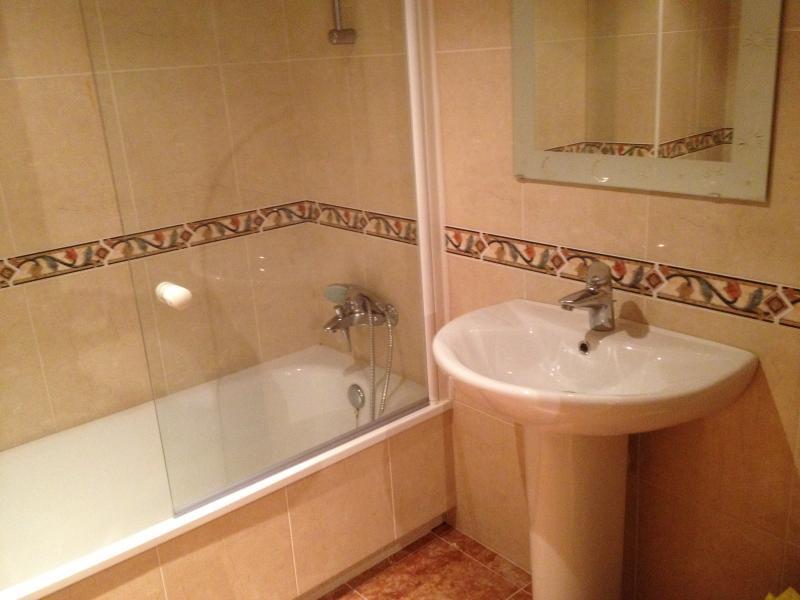 Baño - Piso en alquiler en calle Osos, Arteixo - 113243564