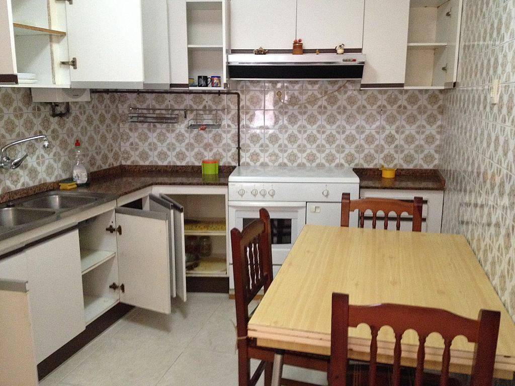 Piso en alquiler en calle Ría de Pontevedra, Arteixo - 158254648