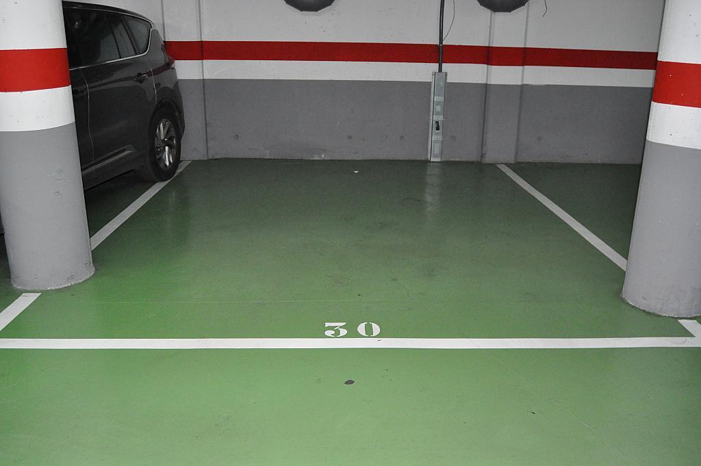 Parking en alquiler en calle Josep Montserrat, Llagosta, La - 288200970