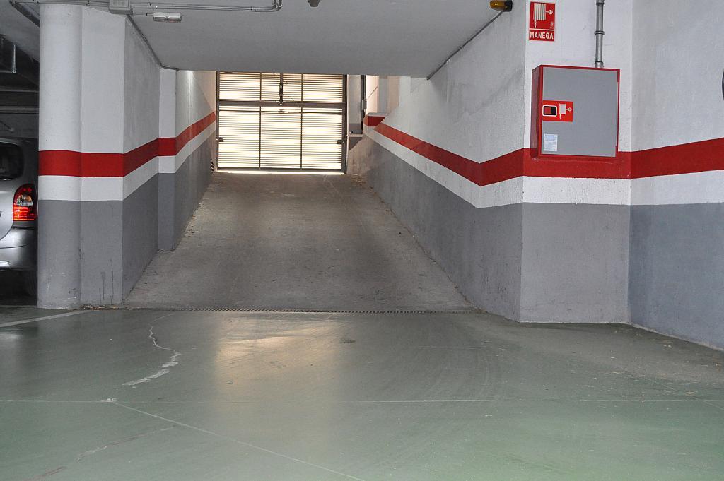 Parking en alquiler en calle Josep Montserrat, Llagosta, La - 288200973