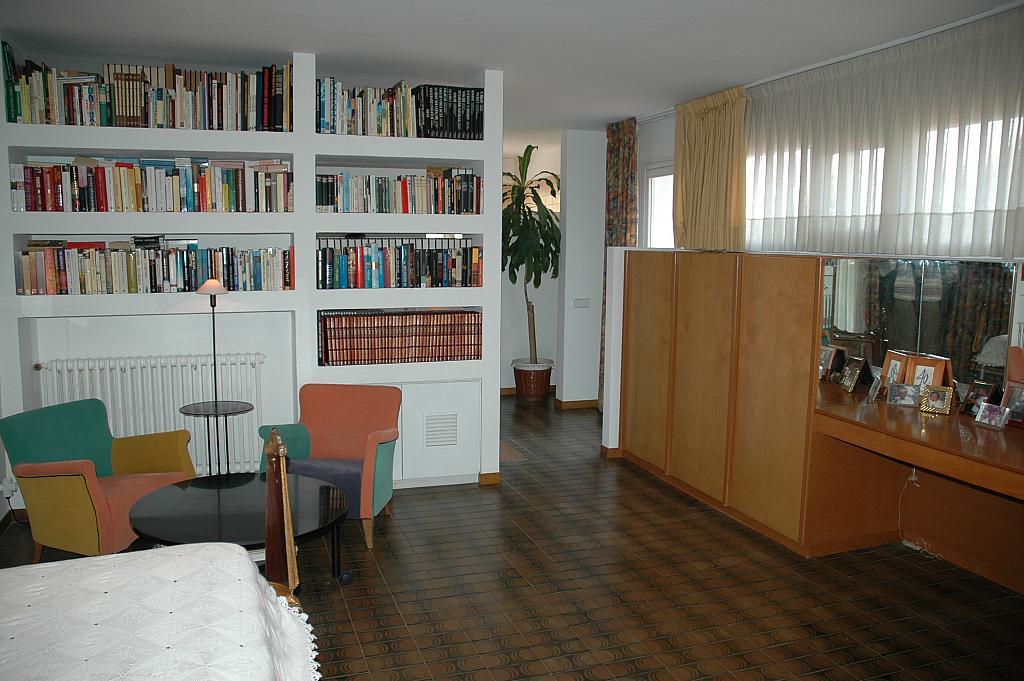 Dormitorio - Casa en alquiler en plaza Pi, Bellaterra - 320702938