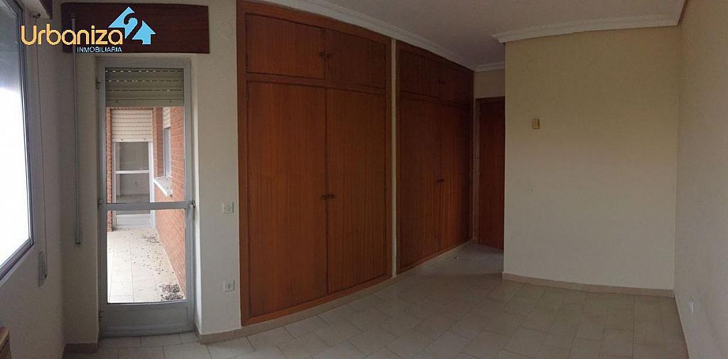 Foto - Piso en alquiler en calle Antonio Martinez Virel, Valdepasillas en Badajoz - 326582299