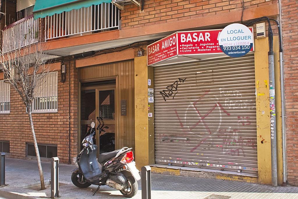 Local comercial en alquiler en calle Bonavista, Cornellà de Llobregat - 282356854