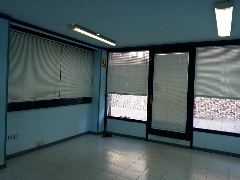 Oficina - Local comercial en alquiler en calle Xavier Montsalvatge, Nou Eixample Sud en Tarragona - 121063078