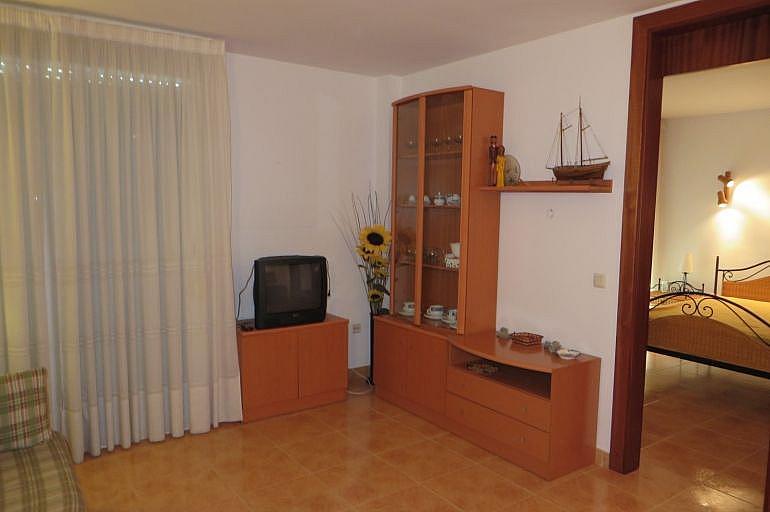 Salón - Apartamento en venta en Roses - 261885544