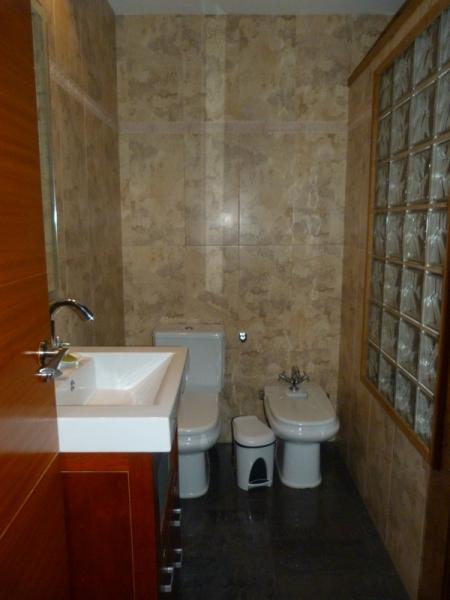 Baño - Piso en alquiler de temporada en Fuengirola - 115375031