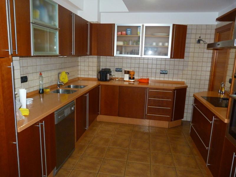 Cocina - Piso en alquiler de temporada en Fuengirola - 115375042