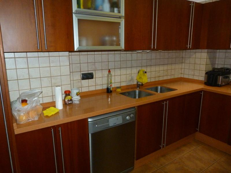 Cocina - Piso en alquiler de temporada en Fuengirola - 115375043