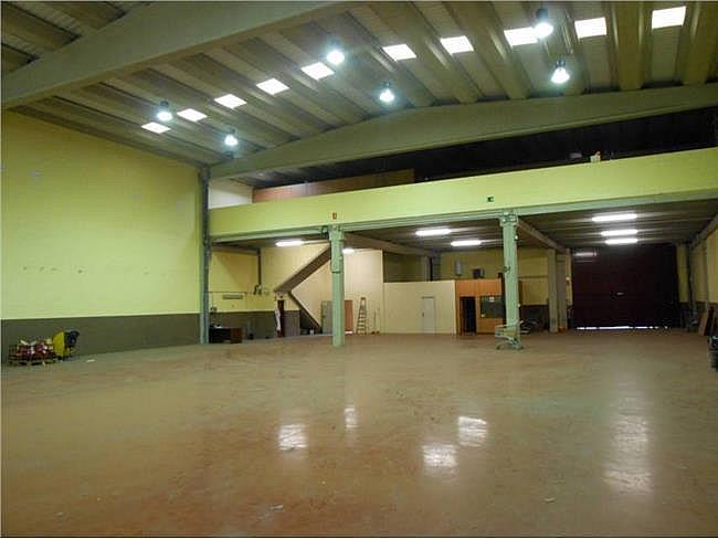 Nave industrial en alquiler en calle Sant Armengol II, Abrera - 131649453