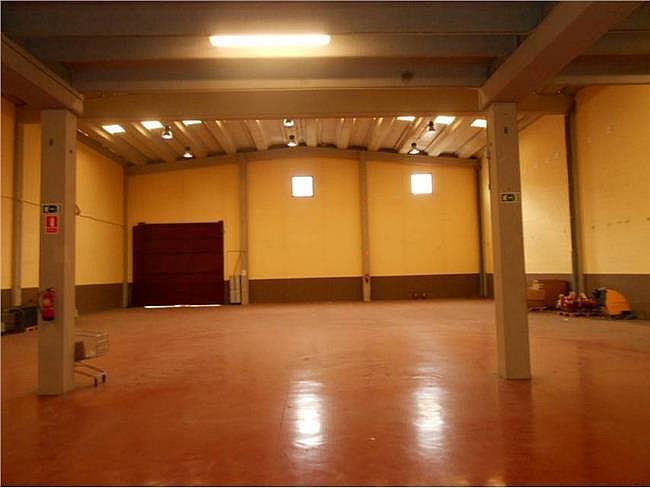 Nave industrial en alquiler en calle Sant Armengol II, Abrera - 131649462